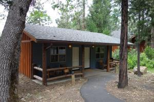 Evergreen Lodge Cabin