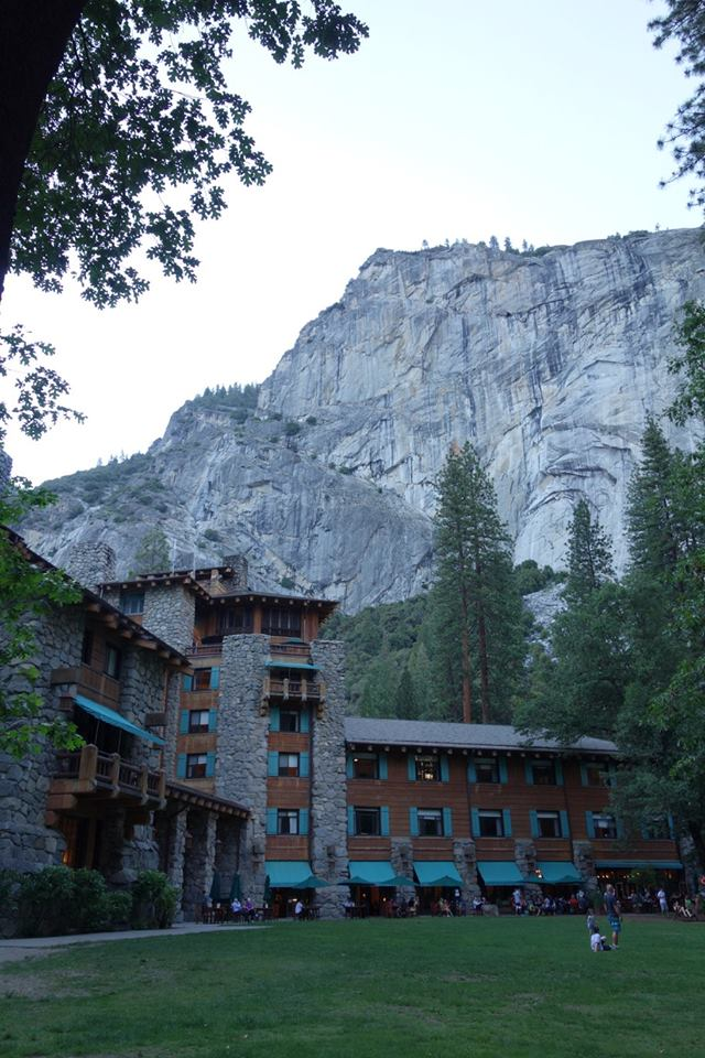 The Ahwahnee Hotel (3/6)